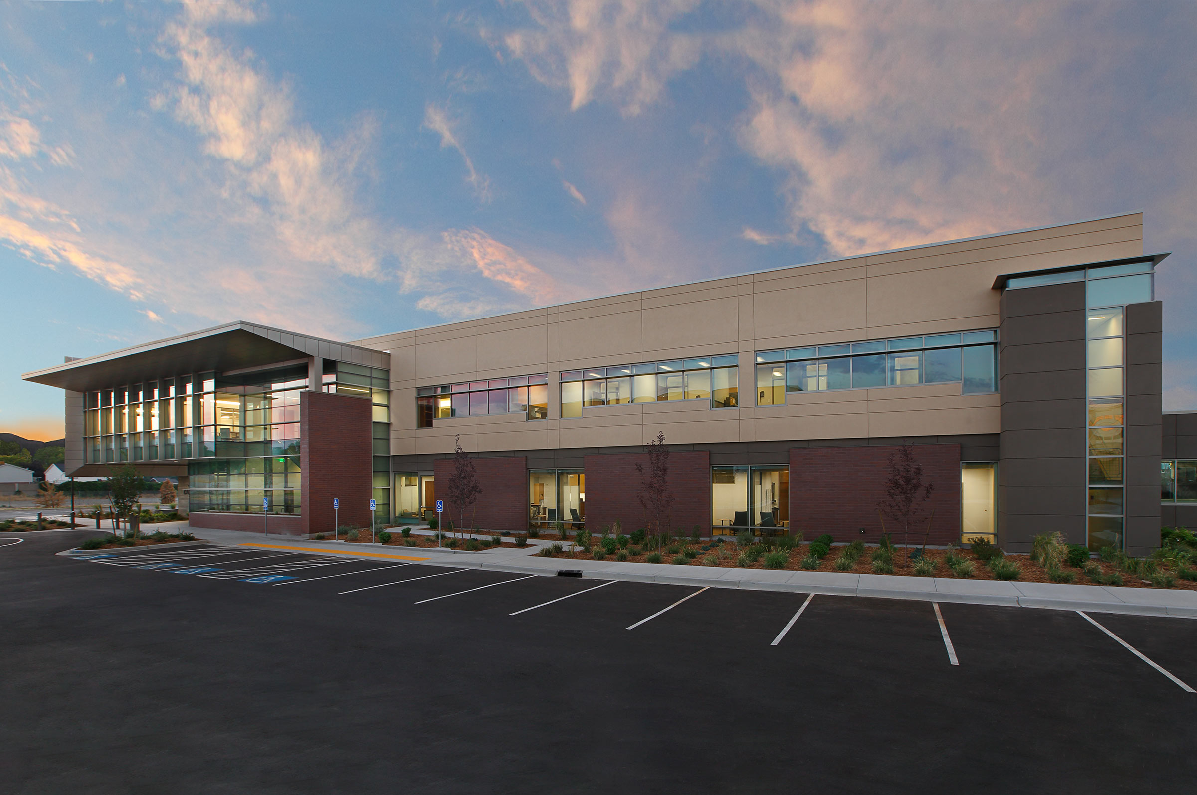tsa architects utah healthcare architects jordan valley cancer center at sunrise